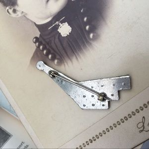 Vintage Jewelry - Antique Paste Rhinestone C Clasp Brooch